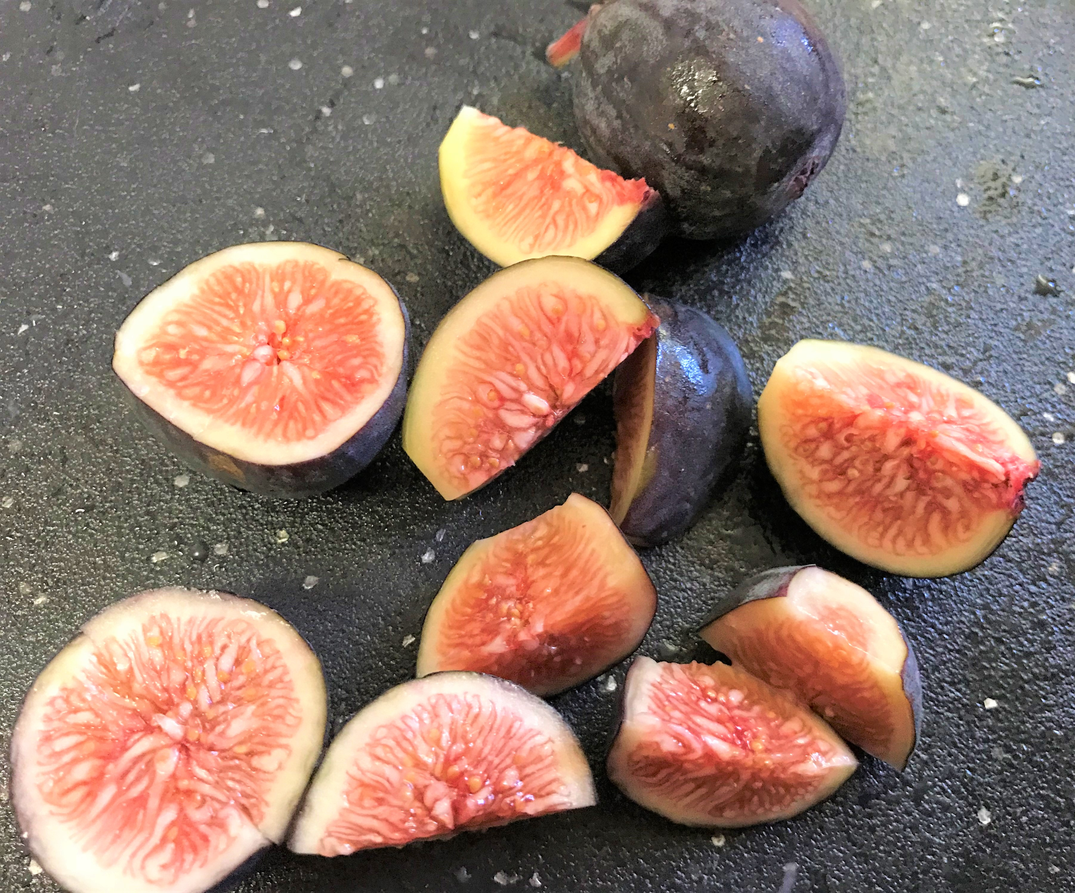 sliced black figs